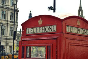 Telephone booth in London by MakyPospi