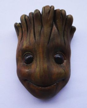 Baby Groot magnet by doudoubaer