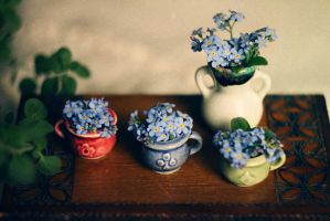 tiny cup of spring by Econita