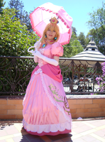 Cosplay 'Princess Peach' by Honoka