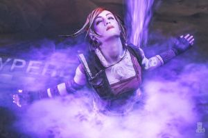 Lilith Cosplay from Borderlands 2 Action Shot by FizCosplay