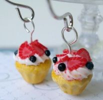 lemon cupcake earrings by Snowfern