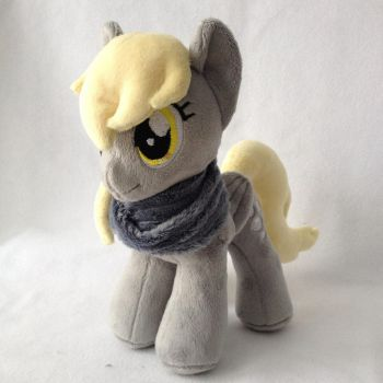 Plushie Derpy Hooves by Burgunzik