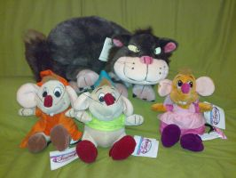 Cinderella Cat Lucifer with the 3 mice plush by Frieda15