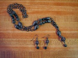 Dark earrings and necklace by jneia