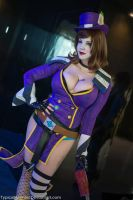 Mad Moxxi: Look but don't touch by PookieBearCosplay