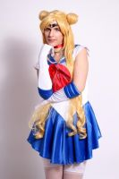 Sailor Moon cosplay by seralune