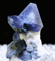 Benitoite by bmah