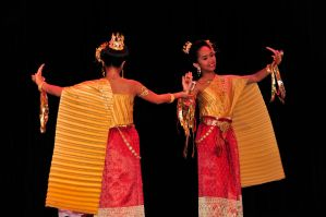 Thai Golden Dancers by AndySerrano