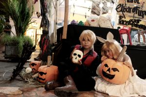 Happy Halloween From Kagamine Twins~ by kazuhyun
