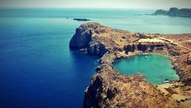 the heart in Lindos town by ele93