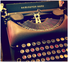 Typewriter.1 by platapiotr