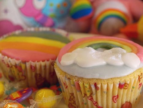 Rainbow cupcakes by oomad