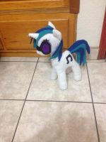 Vinyl Scratch plush by RainDashESP