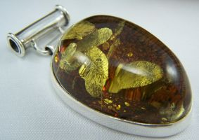 Silver pendant with Amber by MadOnion1