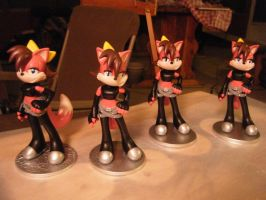 Fionas are finally done and for sale! by aachi-chan