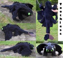 :HTTYD: Toothless Plush by MiharutheKunoichi
