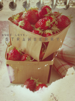 a box of strawberry. by iamguozxd