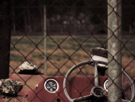 Rusty Old Tractor by Rotstrich