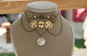 Golden Gear Necklace by Comical1