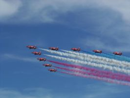 Red Arrows - Eastbourne Airbourne by Fragsey