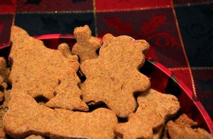 Peanut Butter cookies for my doggy friends by Stygma