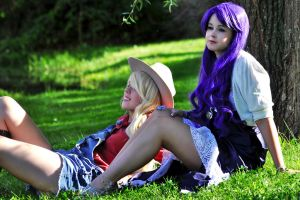 AppleJack and Rarity - Resting together by aggestardust
