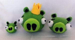 Angry Birds Pigs Plush Pattern by brunodarkdevil