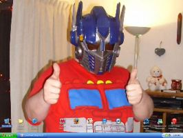 Desktop: Me As Optimus by Jochimus