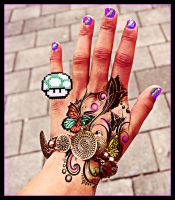 the hand behind the art by Gulloh
