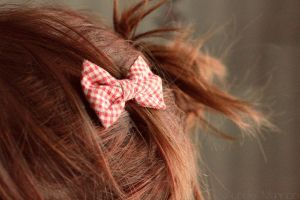 lovely bow by Helliew