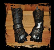 orc leather bracers by Lagueuse
