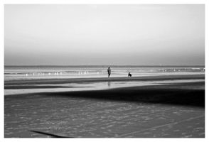 Lonely walk on the beach... by simoner