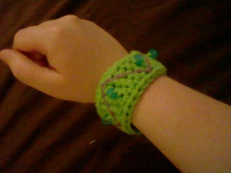 Crochet Beaded Wristband by Milayou