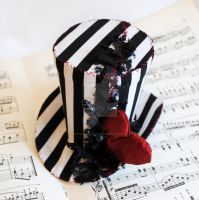 Voodoo Heart Striped Mini Top Hat by RagDolliesMadhouse
