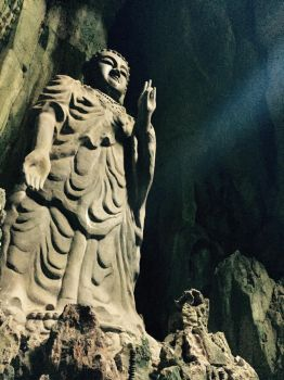 Buddha in Cave by sockstealingnome