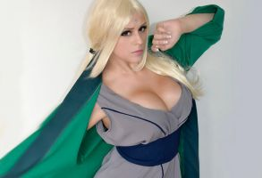 Tsunade Cosplay - Naruto by Thaby-95