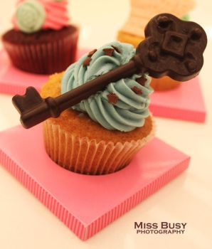 key cupcake by miss-busy