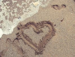 Sand heart by BehindGreenEy3s