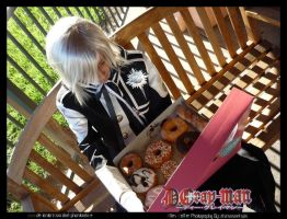 Allen Love Donuts :D by darkphantomhive