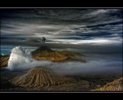Another look at Bromo by melintir