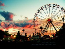 Grand Wheel by philosophyoftime