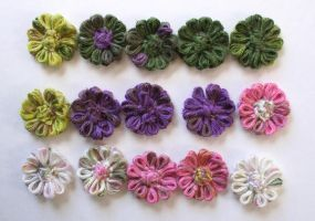 Tiny Loom Flowers by DarkRaven17