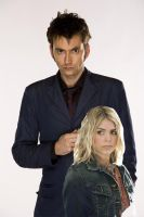 Tenth Doctor and Rose Tyler by SkylarkEcstasy14