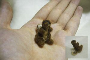 Very Small Squirrel by studiozoe