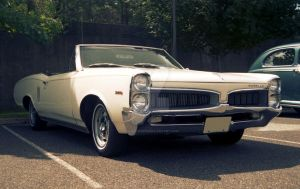 1967 Pontiac Le Mans by focallength