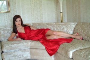 lounging in red by jillein-portraits
