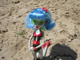 MH Ghoulia Beach Time 6 by immortalmina