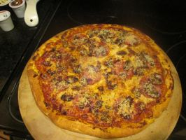 Home made pizza by AnaturalBeauty