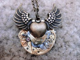 Steampunk Winged Heart by xxPRECIOUSMOMENTSxx
